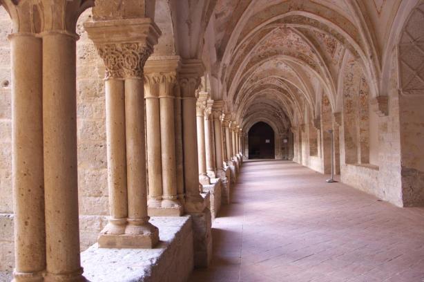 Monasterio de Santa Mª de Valbuena. Claustro