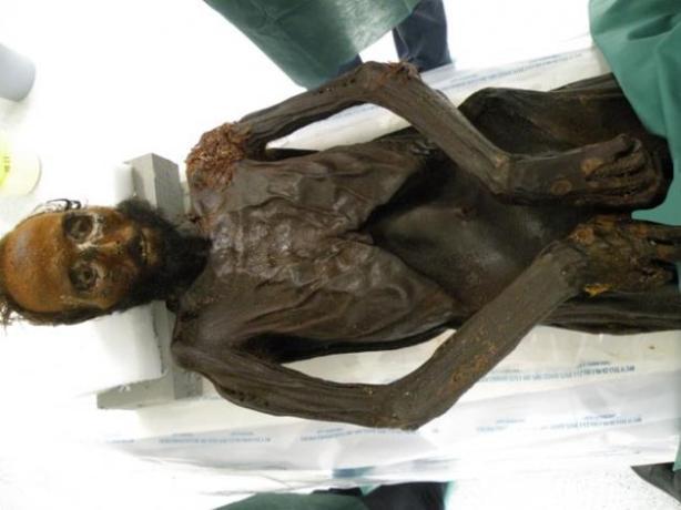 autopsia-del-general-prim-fotografia-de-ioannis-koutsourais-23682