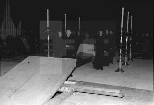 funeral por José Antonio que se celebró en la Basílica del  Valle de los Caídos (la inauguración oficial había sido el 19 de Abril 1959)1