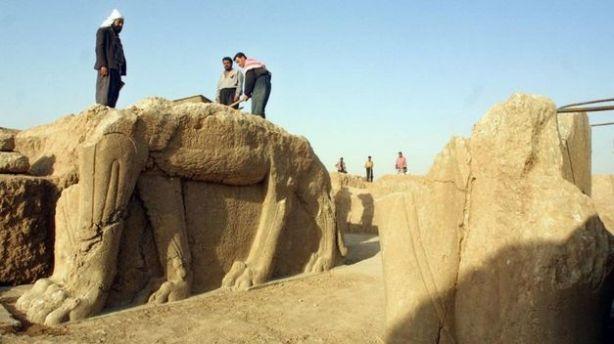 Islamico-destruye-ciudad-asiria-Nimrud_