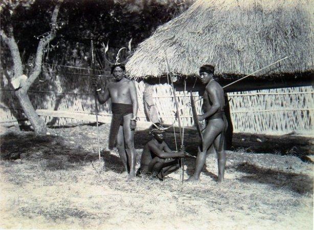 Exhibición de indígenas filipinos en el zoo de humanos en Madrid de 1887