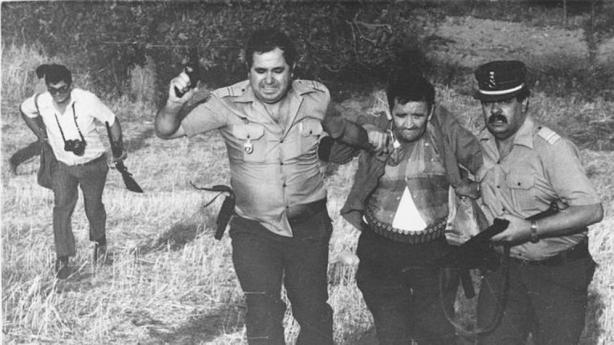 Emilio Izquierdo, poco después de ser detenido tras la matanza de Puerto Hurraco, en 1990. (EFE)