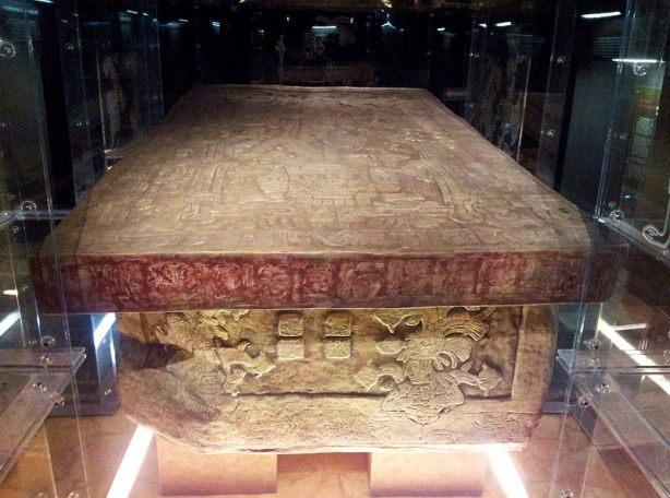 Copia de la Tumba del Señor de Pakal en el Museo de Palenque